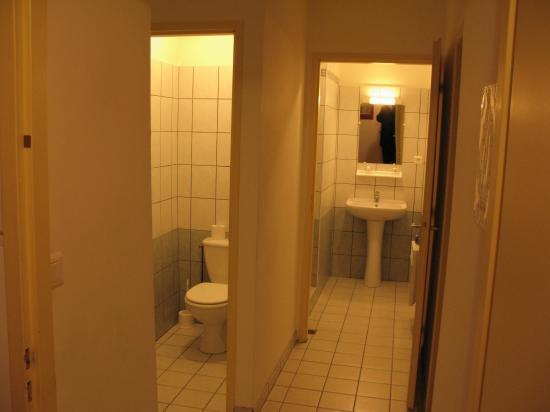 Chambres 1 et 2-131 salles d'eau + wc