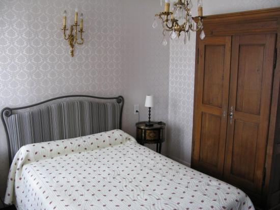 literie 2015  Chambre lit 2 personnes et chambre 3 lits formant suite